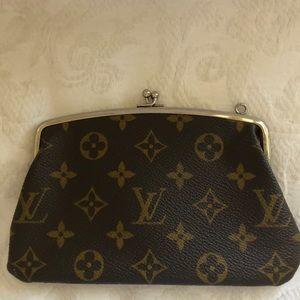 Louis Vuitton Kiss lock purse